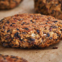 Juicy and flavorful healthy meat-free bean burger recipe